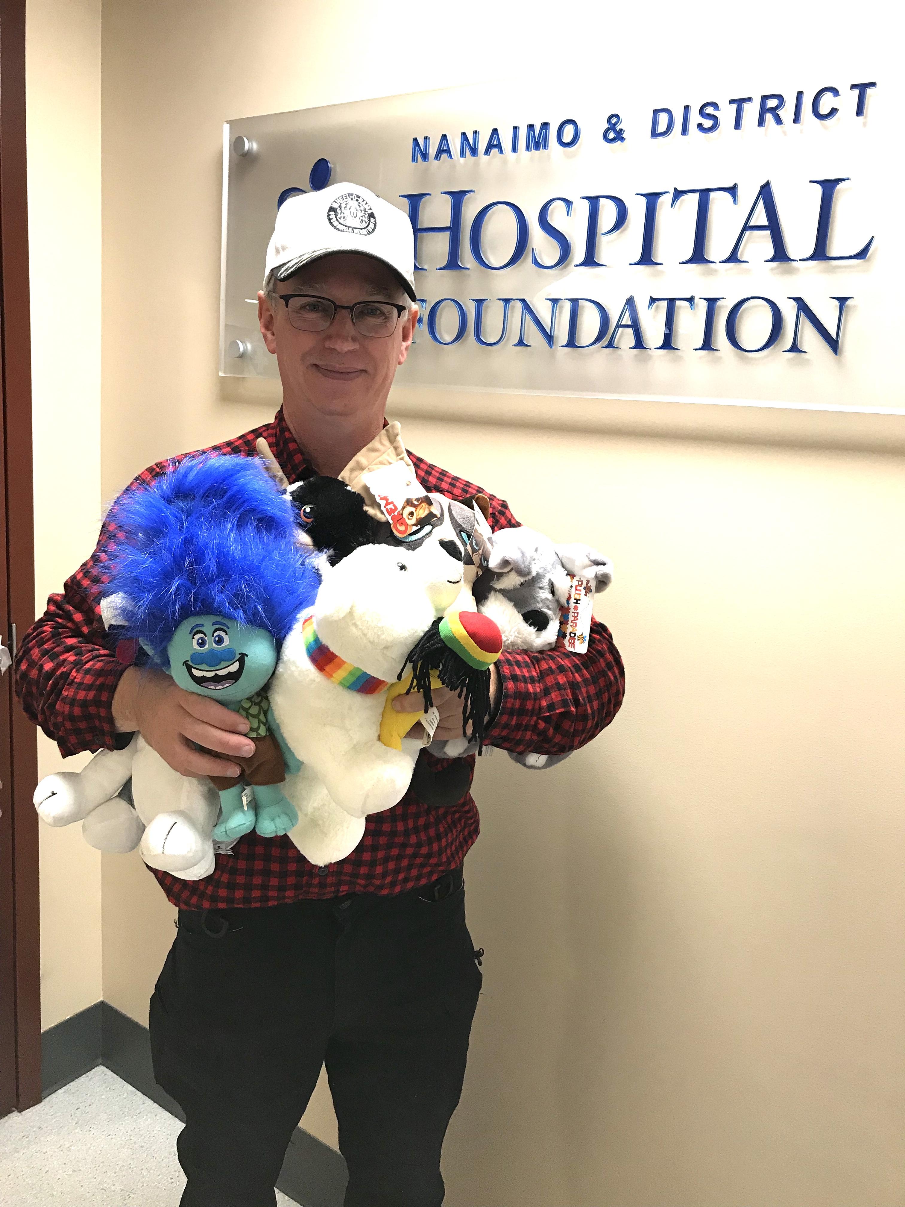 Wheel O Rama donates Teddy Bears