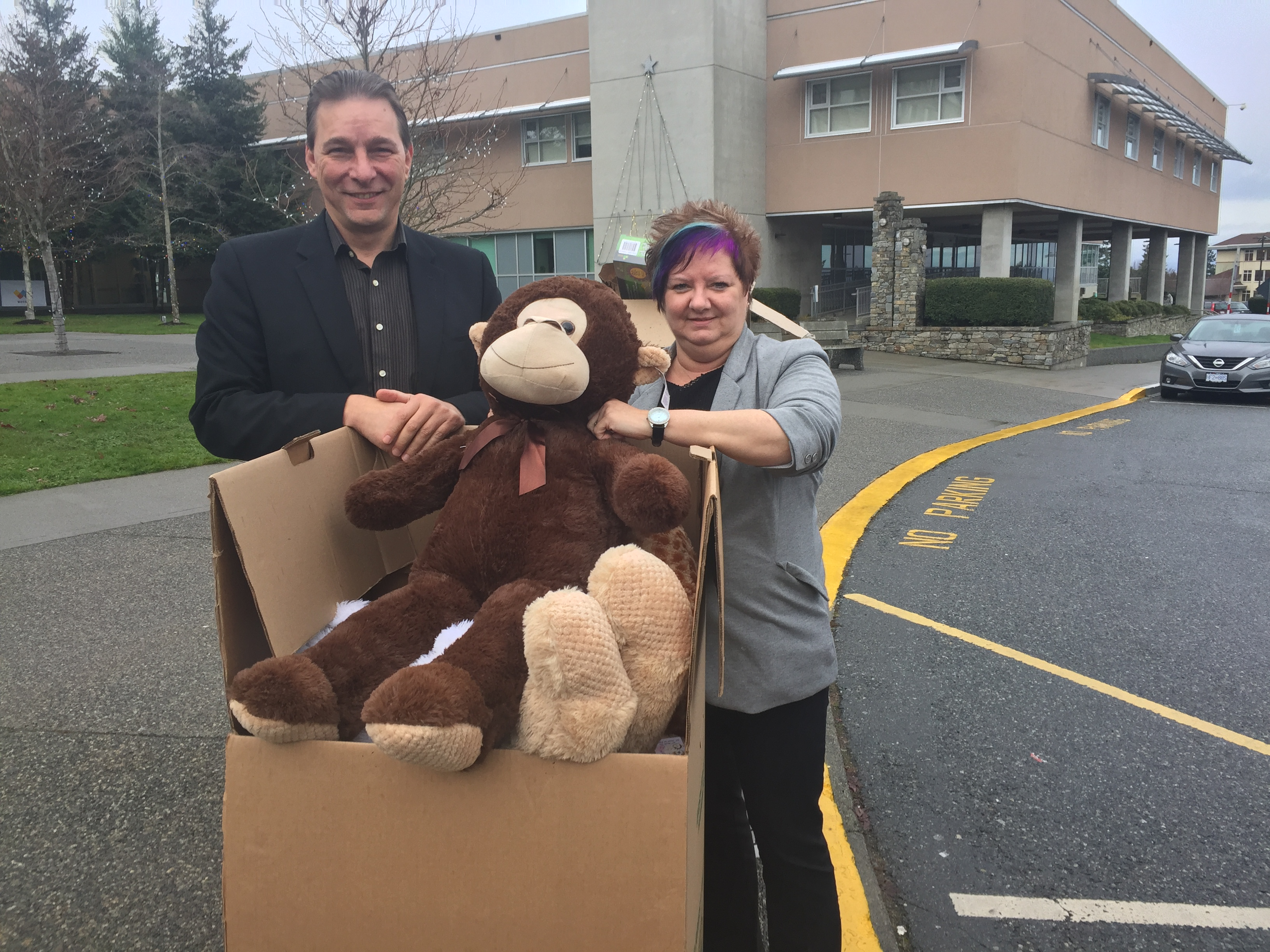 John & Marlene Donate Distraction Toys to NRGH
